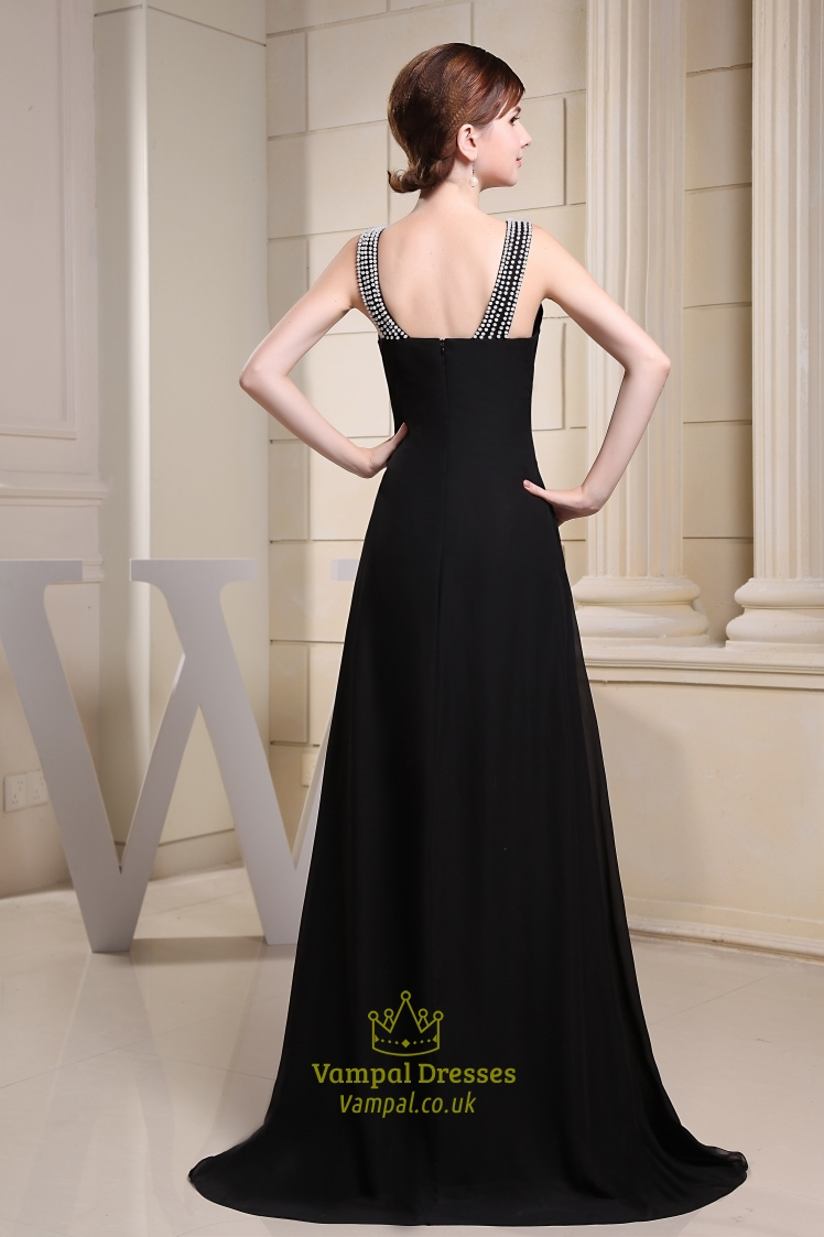 Prefer long bridesmaid dresses? Shop at David's Bridal to find full, floor-length bridesmaids dresses that will give your bridal party a classic look.