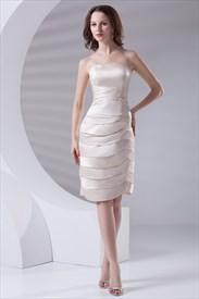 Chic Strapless Short Corset Applique Tiered Ivory Dresses for Bridesmaid