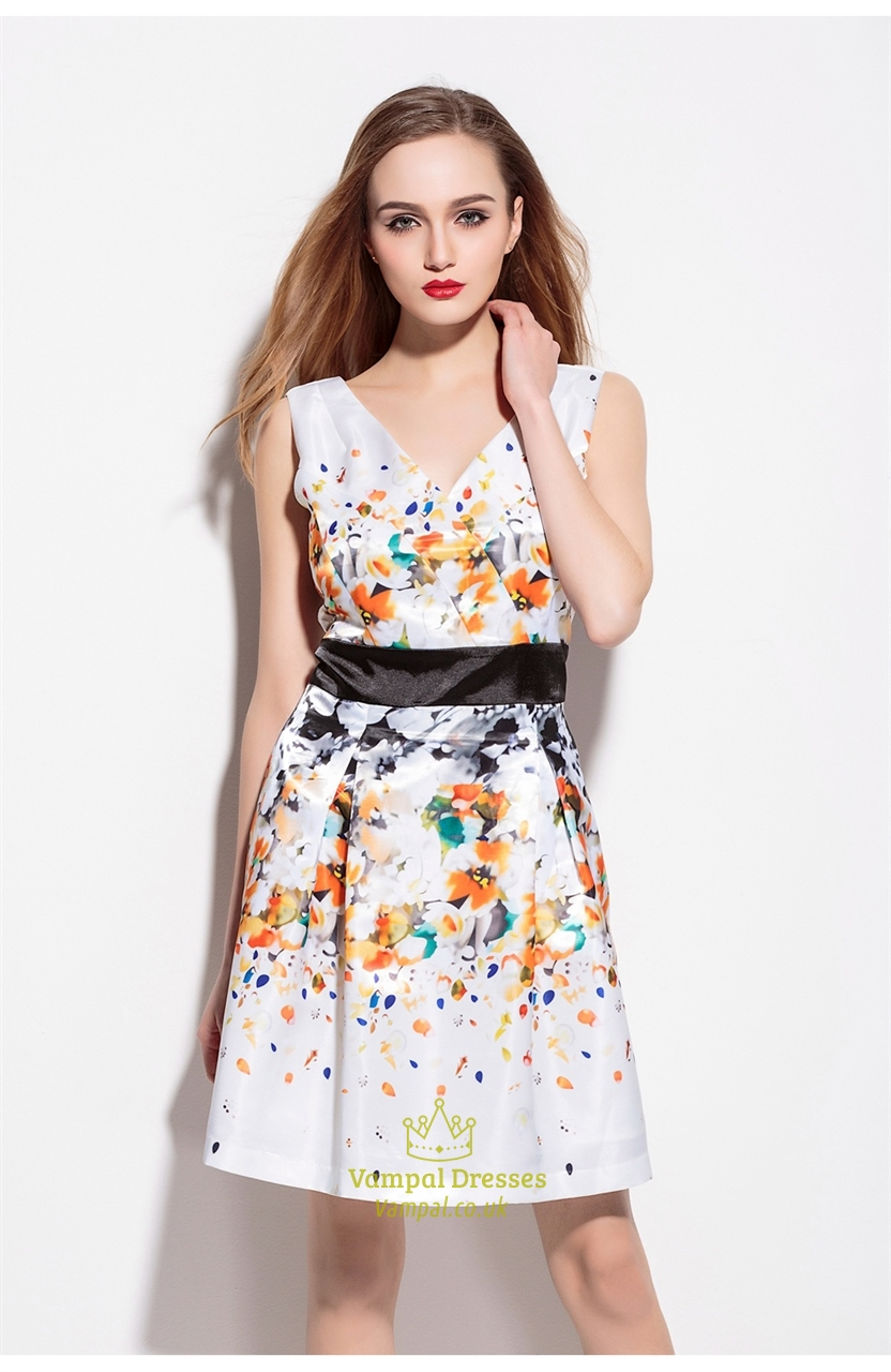 White Floral Print V Neck Sleeveless Summer Dress | Vampal ...