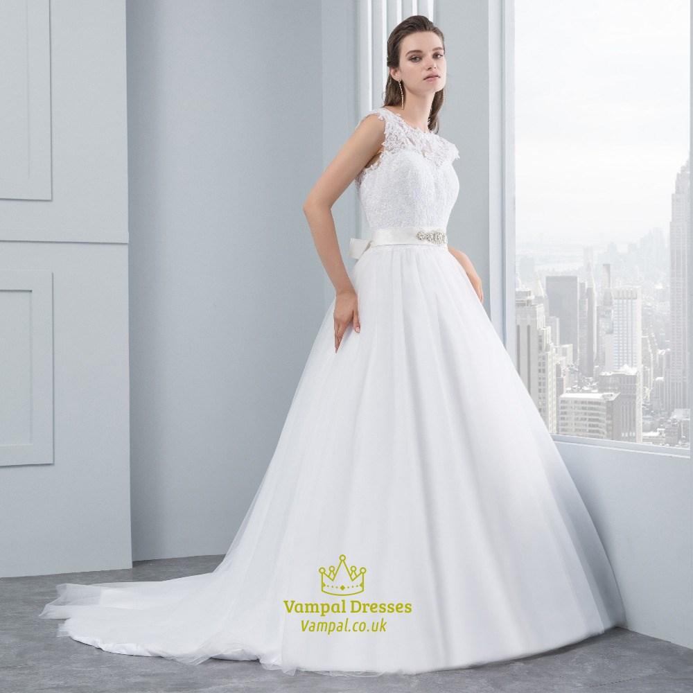 Sleeveless Wedding Dresses: Elegant Sleeveless Lace Bodice A-Line V-Back Wedding Dress