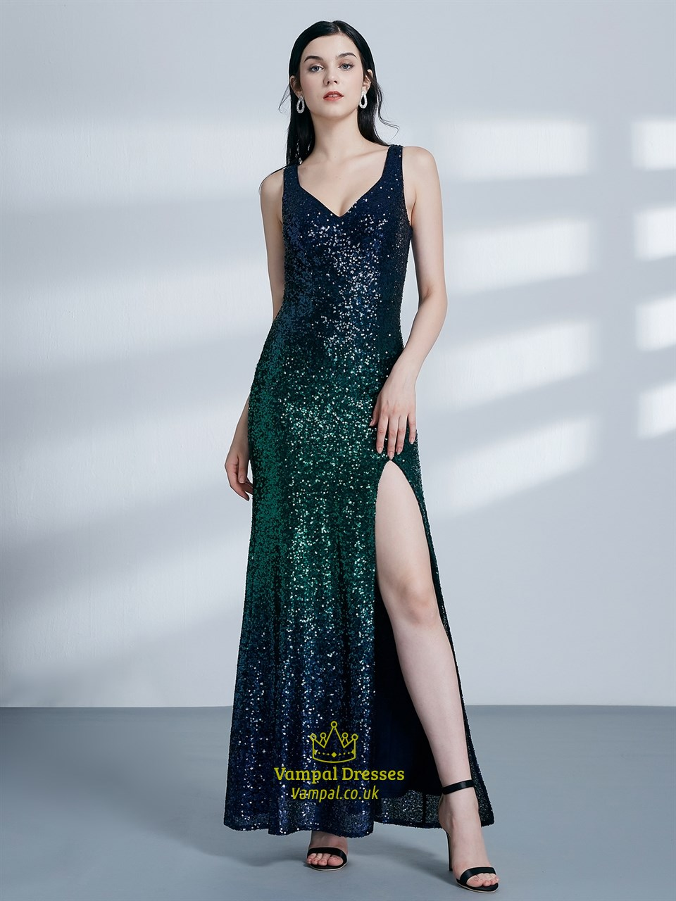 Emerald Green V Neck Sleeveless Sequin Long Prom Dress