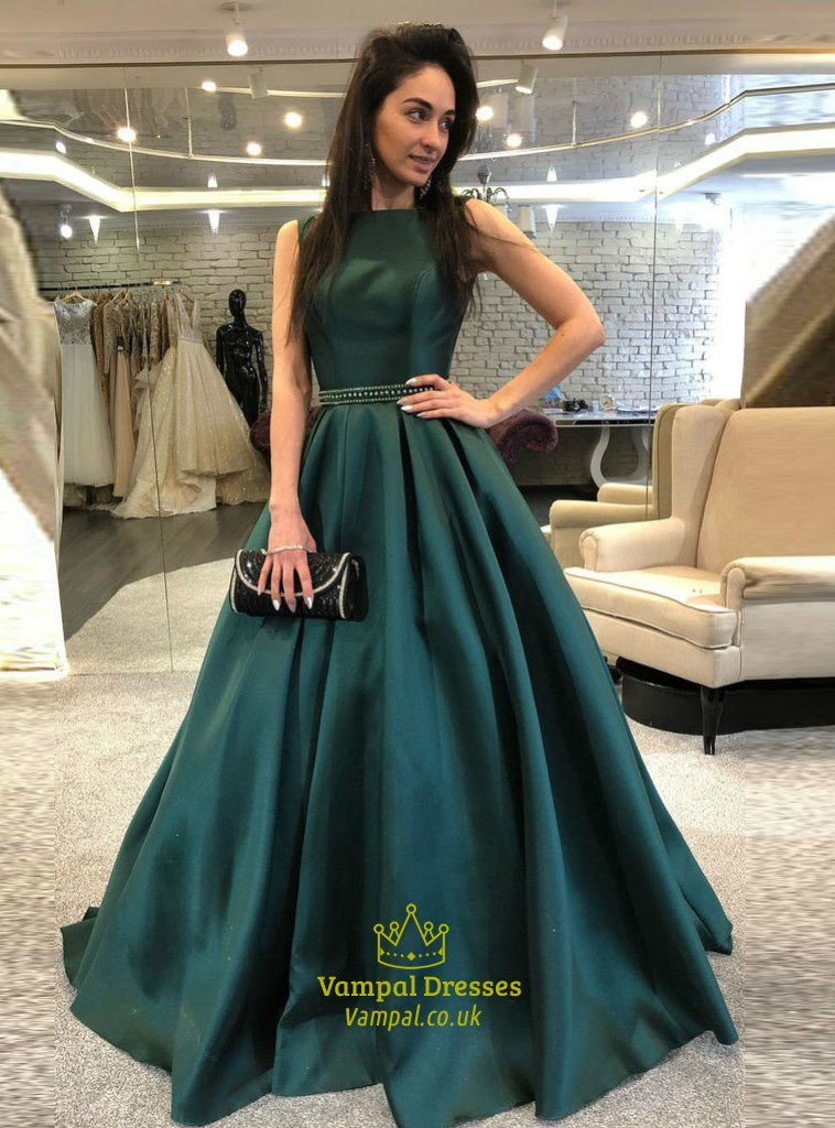 Elegant Emerald Green Bateau Neck Beaded Sleeveless Satin