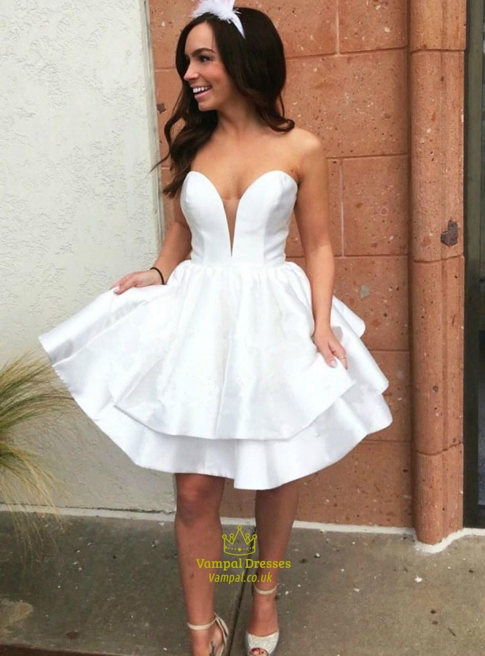 Simple White Sweetheart Neckline Sleeveless Satin Short
