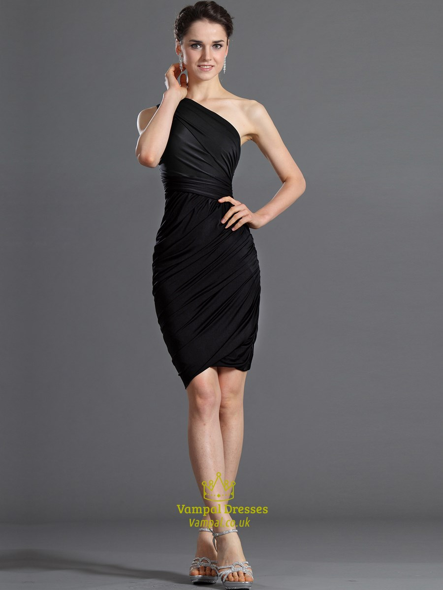 8dc1d962980071 Simple Black One Shoulder Ruched Sheath Sleeveless Short Prom Dresses