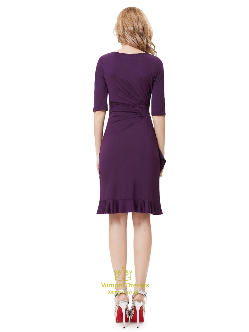 Discover knee length dresses with ASOS. From prom to party, formal to cocktail, black, white & red knee length dresses with ASOS.
