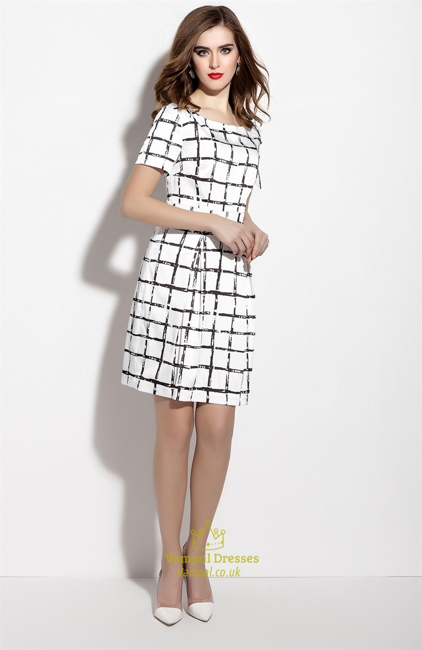 White And Black Short Checkered Dress With Short Sleeve