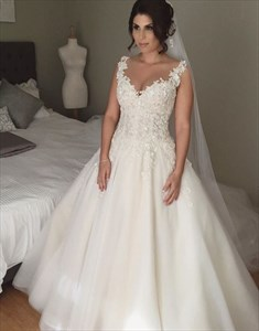 Sleeveless Sweetheart Lace Applique Open Back Ball Gown Wedding Dress
