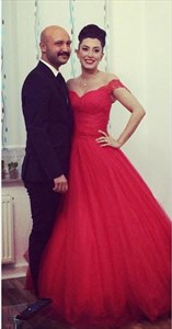 Elegant Red  A Line Lace Off The Shoulder Floor Length Tulle Ball Gown