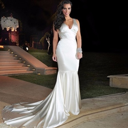 Ivory Sleeveless V-Neck Mermaid Long Evening Gown With Long Train