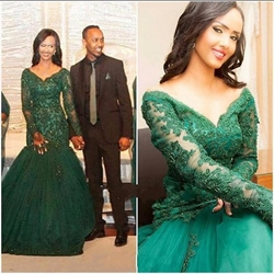 Emerald Green Lace Bodice Mermaid Prom Dresses With Long Sleeves