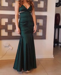 Emerald Green V Neck Ruched Sleeveless Mermaid Long Prom Dress