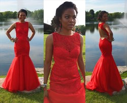 Red Sleeveless Floor Length Lace Embellished Backless Prom Dress
