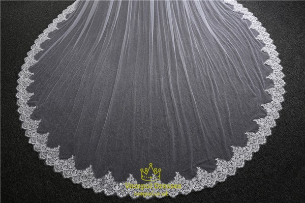 One tier lace applique edge cathedral bridal veils with sequin