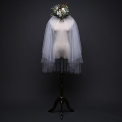 Two-Tier Simple White Cascade Elbow Bridal Veils With Cut Edge