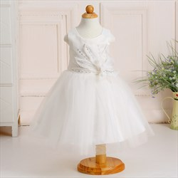 White A Line Knee Length Flower Girl Dresses With Flower Petals