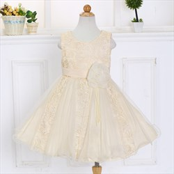 Champagne Scoop Neck Lace Short Flower Girl Dress With Flowers
