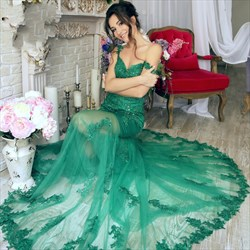 Illusion Green V Neck Sleeveless Mermaid Prom Dress With Lace And Train