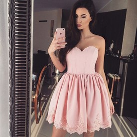 Pink Sweetheart Knee Length Homecoming Dresses With Lace Applique