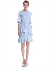 Lovely Knee Length Simple Lace Embellished Dress With Half Sleeve