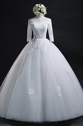 White Lace Bodice Half Length Sleeve Wedding Gown With Lace Applique