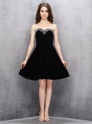 Elegant Black Strapless Sweetheart Homecoming Dress With Beaded Top