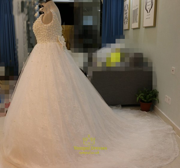 Sleeveless Beaded Bodice Lace Overlay A Line Wedding Dress With Bow