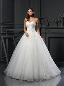 Elegant Strapless Sweetheart A-Line Organza Ball Gown Wedding Dress