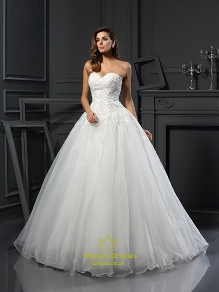 Elegant Strapless Sweetheart A-Line Organza Ball Gown Wedding Dress