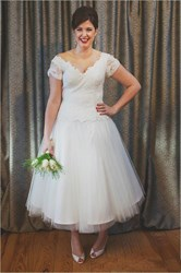 A-Line Tea Length V-Neck Cap Sleeve Lace Top Tulle Skirt Wedding Dress