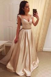 A-Line Elegant Floor-Length V-Neck Evening Dress With Beaded Waist