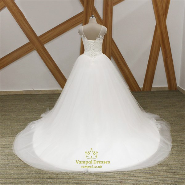 A Line V Neck Sleeveless Tulle Wedding Dress With Applique And Train