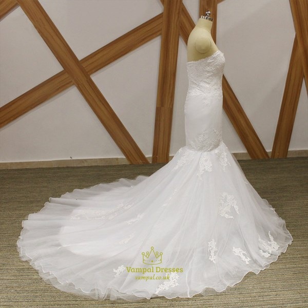 Sweetheart Sheath Tulle Wedding Dress With Lace Applique And Train