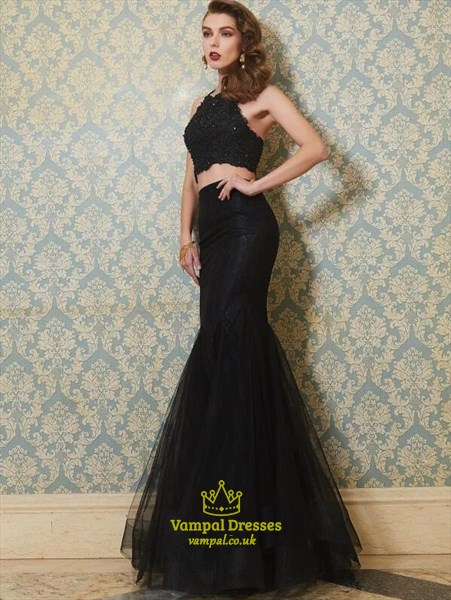 Elegant Halter Neck Sleeveless Beaded Tulle Two Piece Prom Dress