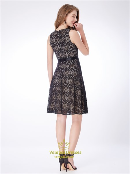 Black A Line High Neck Sleeveless Knee Length Lace Short Prom Dresses