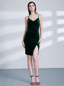 Emerald Green Spaghetti Strap Ruched Sheath Velvet Dress With Split