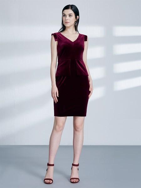 V Neck Sleeveless Ruched Sheath Knee Length Velvet Prom Dresses