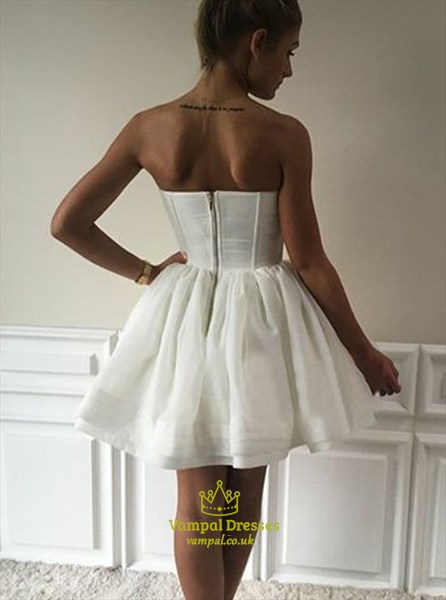 White Sweetheart Pleated Short Organza Ball Gown Homecoming Dress