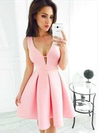 V Neck Sleeveless Keyhole Pleated Satin Knee Length Homecoming Dress