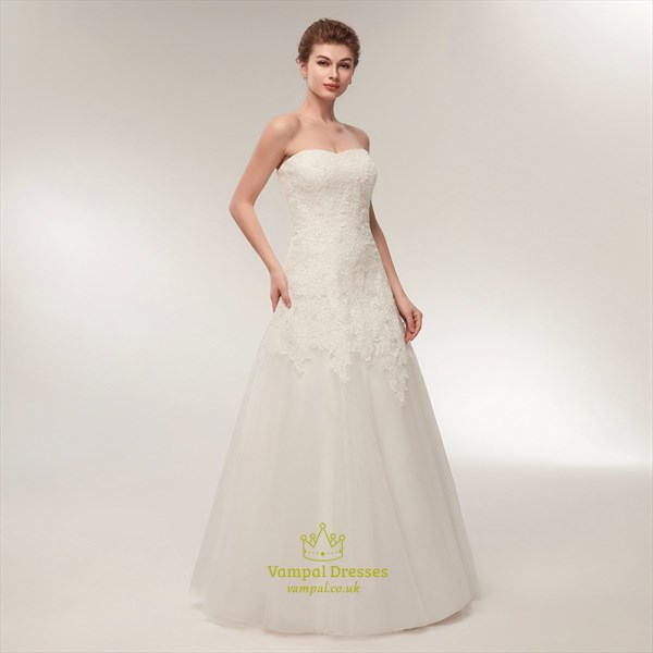 Elegant Sweetheart Sleeveless Lace Applique Tulle Wedding Dress