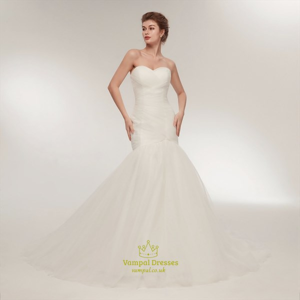 Sweetheart Neckline Ruched Bodice Sheath Long Wedding Dress With Veil