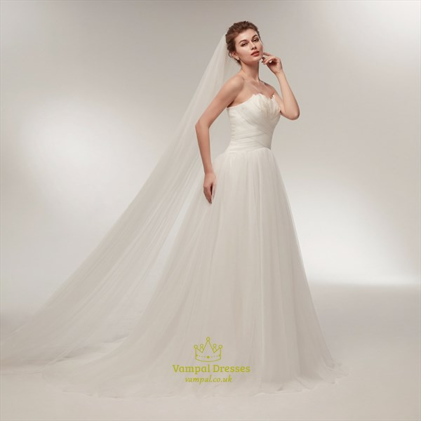 Strapless Ruched Bodice Tulle Wedding Dress With Feathers And Veil