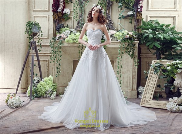 Princess Sweetheart Beaded Lace Applique Wedding Dress With Trains