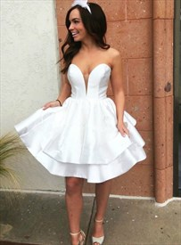 Simple White Sweetheart Neckline Sleeveless Satin Short Prom Dress
