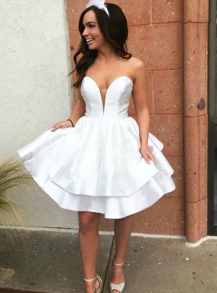 Simple White Sweetheart Neckline Sleeveless Satin Short Prom Dress