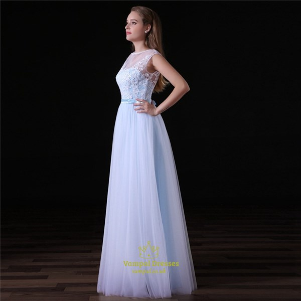 Simple A Line White Bateau Neck Sleeveless Applique Tulle Prom Dress