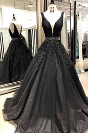 Black V-Neck Lace-Applique Tulle Sleeveless Beaded Waist Prom Dresses