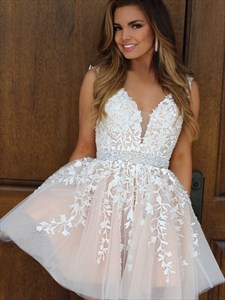 Champagne V-Neck Sleeveless Short Homecoming Dress With Lace Applique