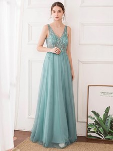 Sheer Illusion Lace Applique Long Tulle Prom Dresses With Low V-Neck