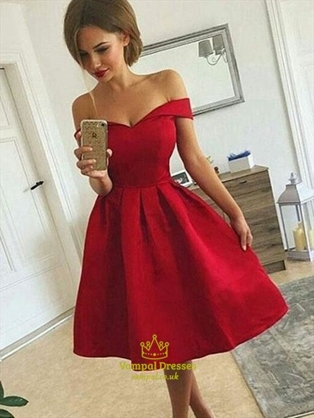 A-Line/Princess Red Off-The-Shoulder Short/Mini Satin Homecoming Dress