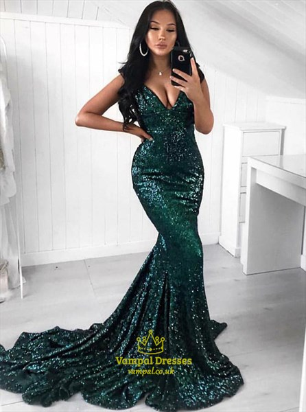 Emerald Green Sequined V-Neck Trumpet/Mermaid Sweep Train Prom Dresses
